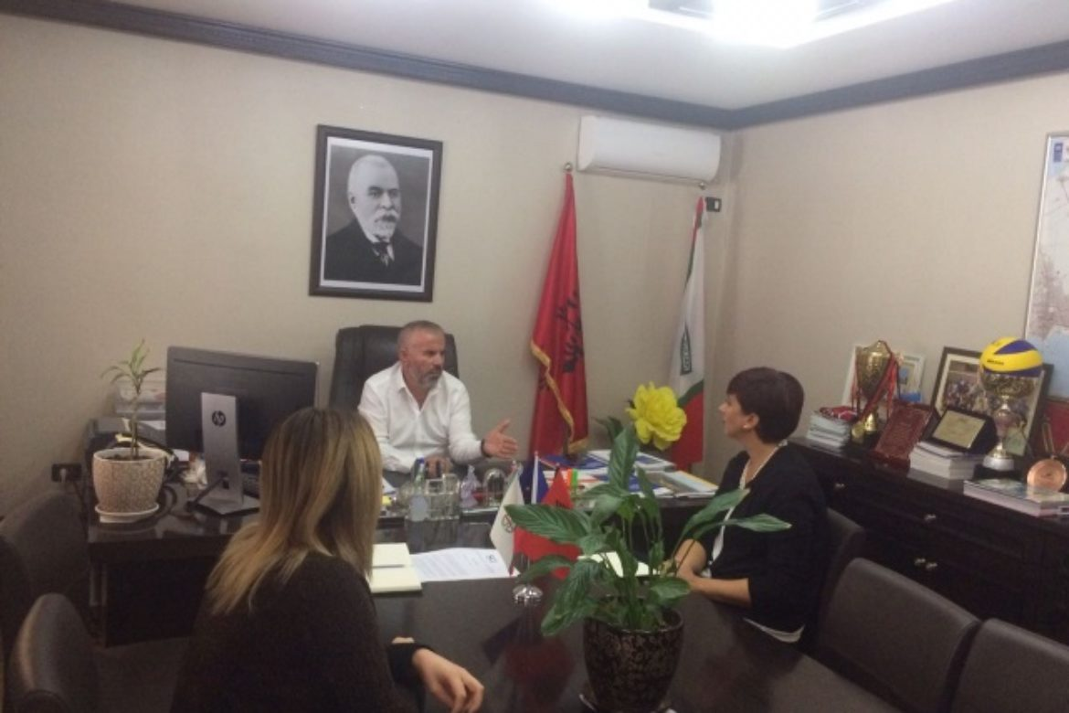 Meeting with the Mayor of Maliq Municipality and his staff for improving the Transparency Program